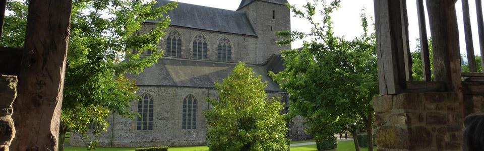 Abbatiale notre dame 61700 Lonlay-L'abbaye
